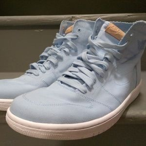 Air Jordan 1 Retro High DeconIcy Blue size 9.5